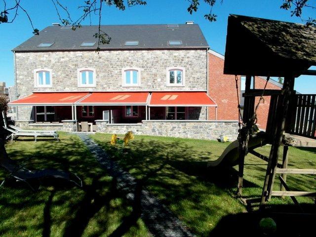 De groepsaccommodatie La Ferme de Happe voor 36 personen met sauna en jacuzzi te Ciney.